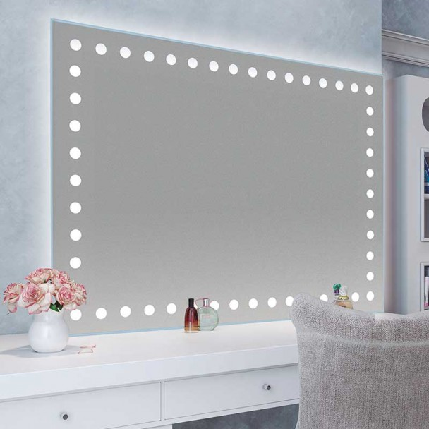 Miroir Led Sevilla à la salle de Bain